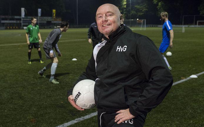 Hilbert van Gils blijft coach van vijfdeklasser Hengelo.