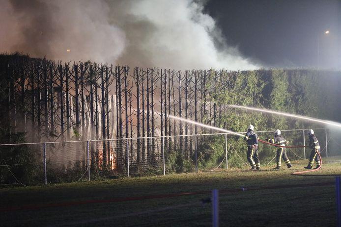 Er brandden acht campers af.