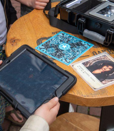 Jongeren in Zutphen kunnen massaal op City Quest, vier jonge Zutphenaren proberen de tocht uit