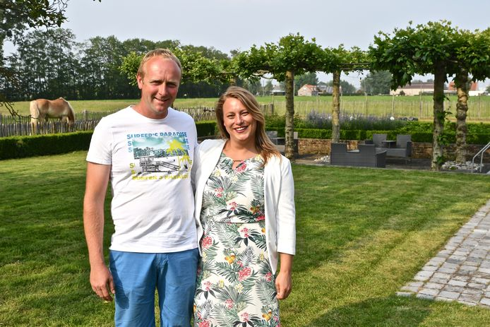 Kenneth en Sharon starten een nieuw avontuur in Te Cathem. Vanaf 1 juli gaat er ook een zomerbar open