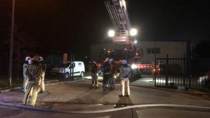 Brand vernielt loods van steigerbouw AMK