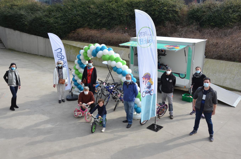 De Lokerse Fietsbieb opent één keer per maand voor een afhaalmoment aan of in het sport- en jeugdcomplex.