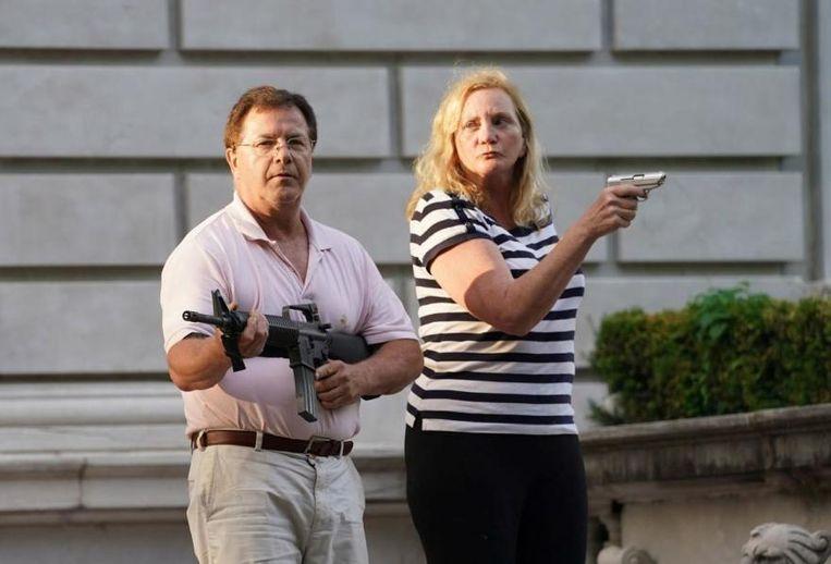 Mark McCloskey en zijn vrouw Beeld Bill Greenblatt/UPI