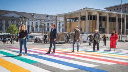 Grootste regenboogzebrapad van Vlaanderen toont dat iedereen welkom is in Gent