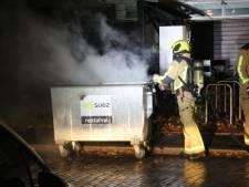 Vandalen laten spoor van brandjes achter in Loosduinen