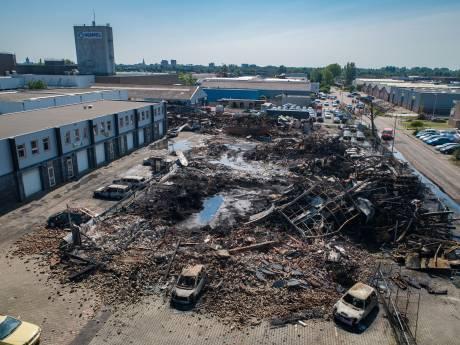 Brand verwoest splinternieuw zelfgemaakt schip in Kampen