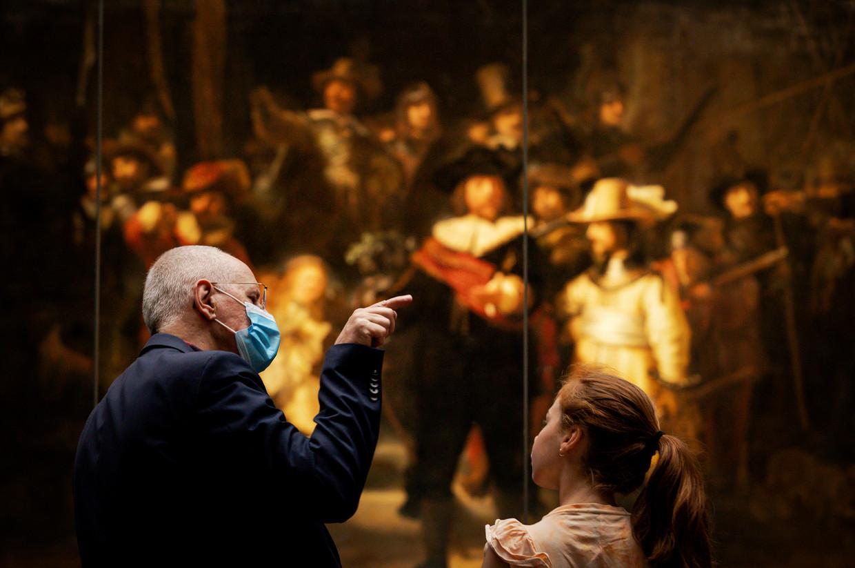 In het Rijksmuseum is het dragen van een mondkapje verplicht. Beeld Hollandse Hoogte /  ANP