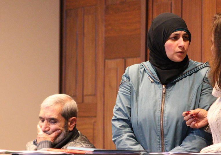 Mama Hanan Shelleh en de grootvader van Yamen, die het erg moeilijk had op het proces.