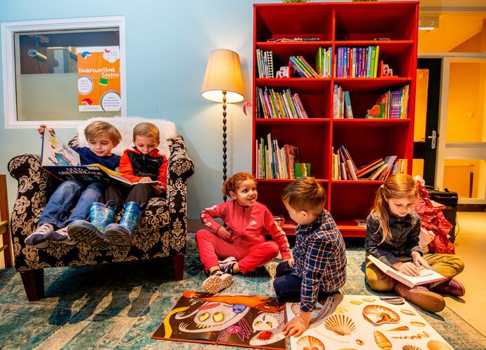 Leerlingen van de Rotterdamse basisschool De Fontein kunnen vanaf vandaag op een bijzondere manier leesboeken met elkaar delen.