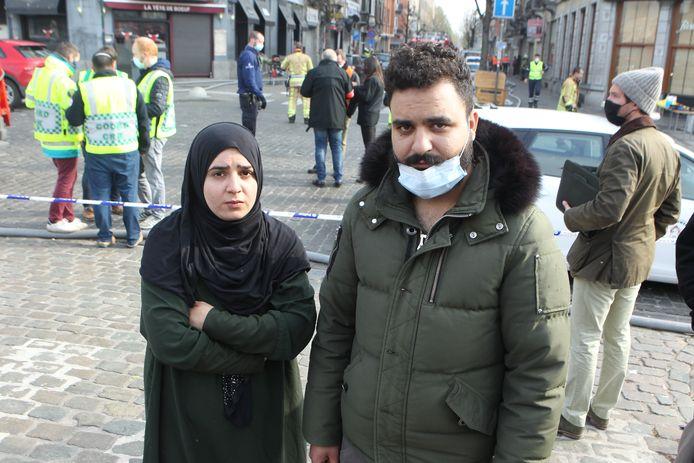 Amina (28) en Abdulkader (25) werden samen met hun kinderen net op tijd uit het gebouw gehaald.