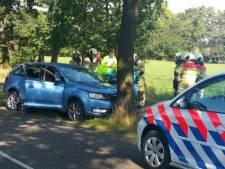 Gewonde bij botsing twee auto's in Renswoude