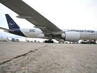"""Lufthansa bekleedt vliegtuigen met """"haaienhuid"""""""