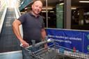 Zwollenaar Ronald Kleerebezem demonstreert de CGrip.