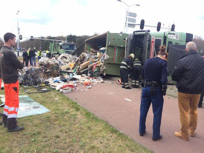 Vrachtwagen gekanteld in Eindhoven