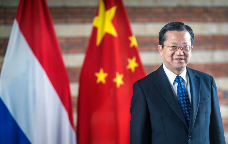 Ambassadeur Xu Hong. Beeld Frank Jansen