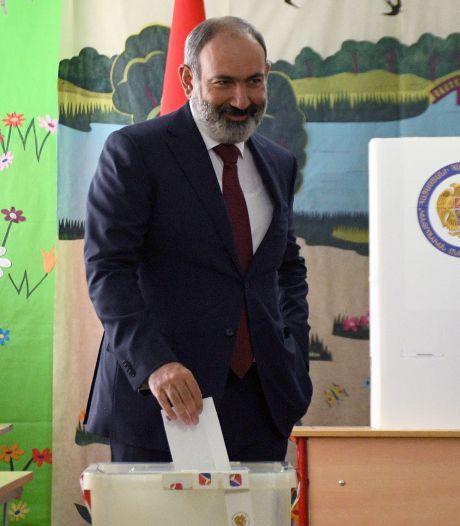 Waarnemend premier Armenië wint verkiezingen, tegenstanders vermoeden stemfraude