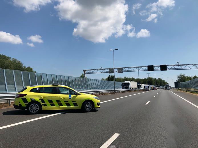 Festivalgangers verliezen hun caravan op de A12 bij Arnhem.