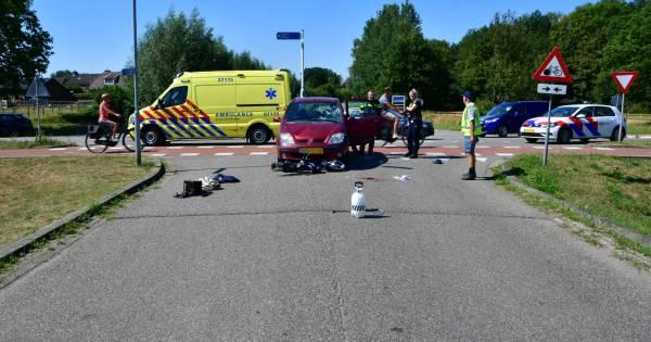 Scooterrijder zwaargewond na aanrijding in Angerlo.