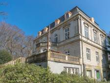Geen uitstel voor Wassenaarse 'krottenkoning': Verwaarloosde villa moet snel opgeknapt worden