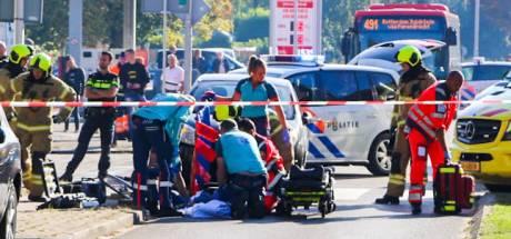 Vrouw komt met fiets onder auto terecht bij aanrijding in Sliedrecht
