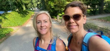 Deze twee Deurningse dames (51) lopen tóch de Nijmeegse vierdaagse: 'Straks lekker een wijntje'
