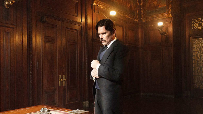 Ethan Hawke als Nikola Tesla in de film 'Tesla' Beeld /