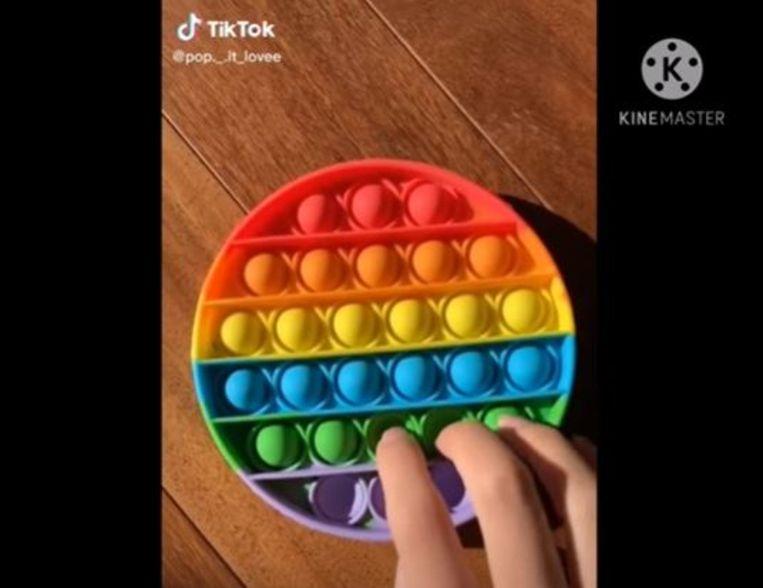 Een voorbeeld van een Pop It speeltje. Beeld