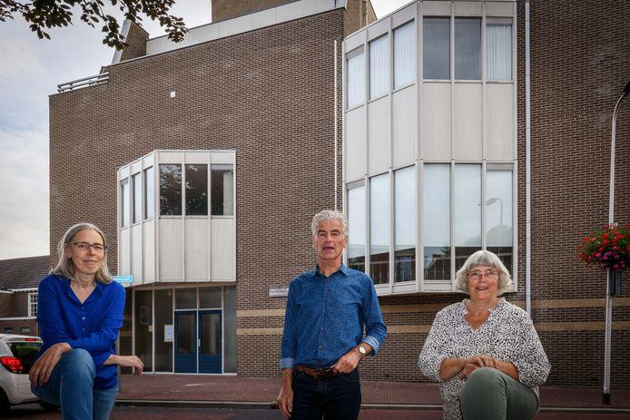 Willemijn van Schilfgaarde, Arnold Heijbloem en Wilma Heeres (vlnr) richten samen met Rita Pereboom Oecumenisch Initatief Meppel op.