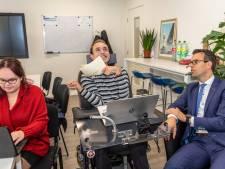 Talentenbureau laat gehandicapte Jelle uit Goes stralen: 'Mijn tweede krant is uit!'