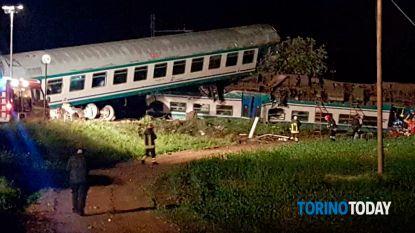 Twee doden en twintig gewonden bij botsing trein en vrachtwagen in Italië