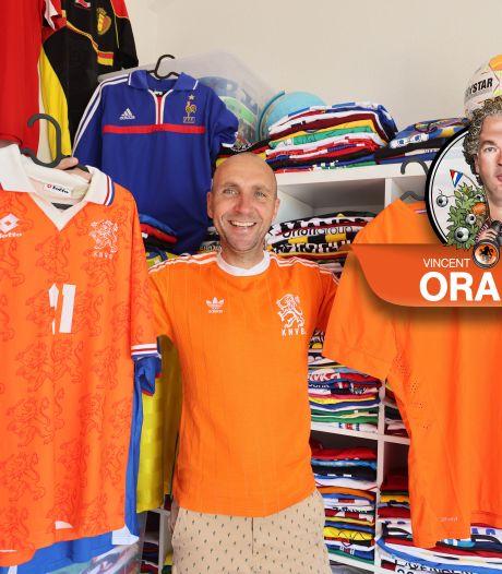 Verzamelaar Karl uit Zwolle heeft de mooiste Oranjeshirts (En nee, daar hoort die van '88 niet bij!)