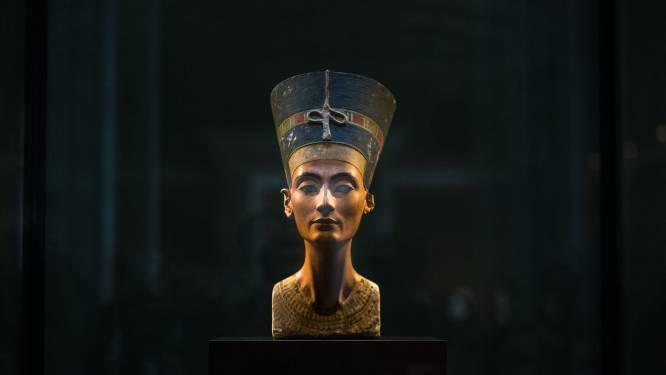 Archeologen hopen op 'vondst van de eeuw' in graftombe van Toetanchamon