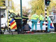 Fietser komt hard ten val in Woerden en moet naar het ziekenhuis
