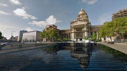 Stad wil grote waterspiegel op Poelaertplein