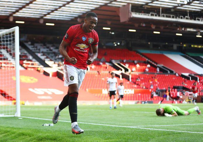 Anthony Martial viert zijn goal.