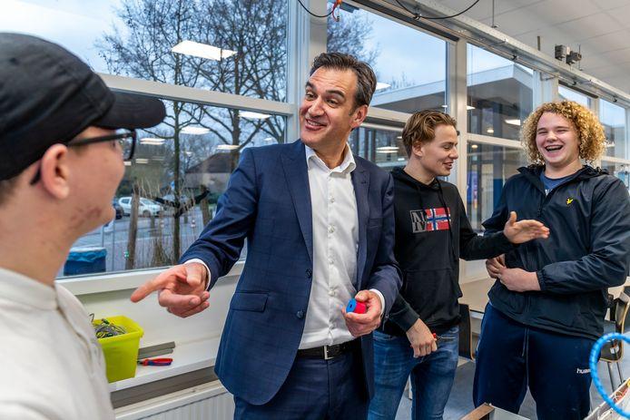 Johan Spronk, de baas ROC Midden Nederland, wil 'samen werken aan bewustwording'.