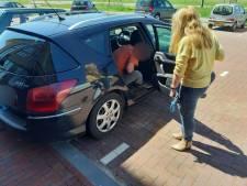 Hulp voor in Arnhemse wijk gestrande Pool die twee weken in auto bivakkeerde