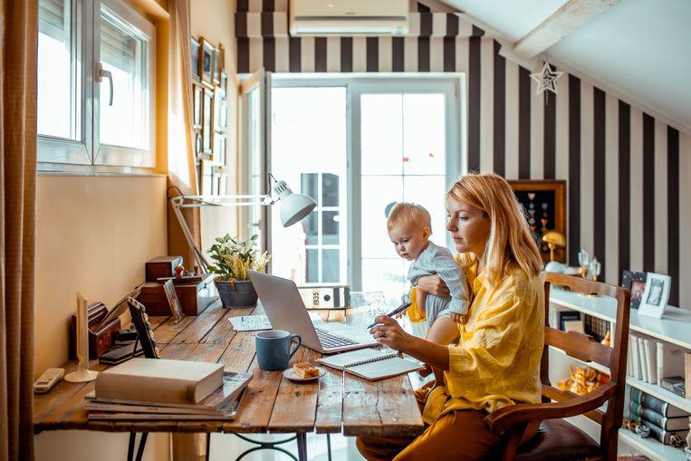 Het kabinet heeft besloten dat de thuiswerkvergoeding, 2 euro per dag die je thuiswerkt, mag worden betaald uit de onbelaste werkvergoeding.  Beeld Getty Images