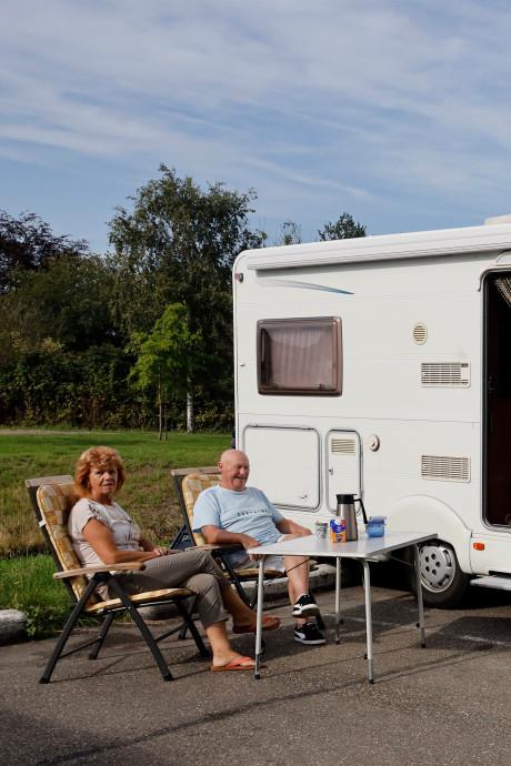 Minicampinghouders: gemeenten vreten met goedkope camperplaatsen de kaas van ons brood