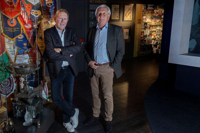 Oud-PSV'er Harry Lubse (rechts)  en Ron Verkerk, manager wedstrijdzaken en veiligheid bij PSV.