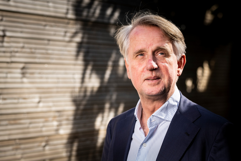 Schipholtopman Dick Benschop verwacht dat de luchthaven pas in 2024 of 2025 op het oude niveau terug zal zijn. Beeld David van Dam