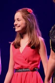 Lieke (14) uit Zeist zingt voor haar (liefdes)leven in Tina-musical