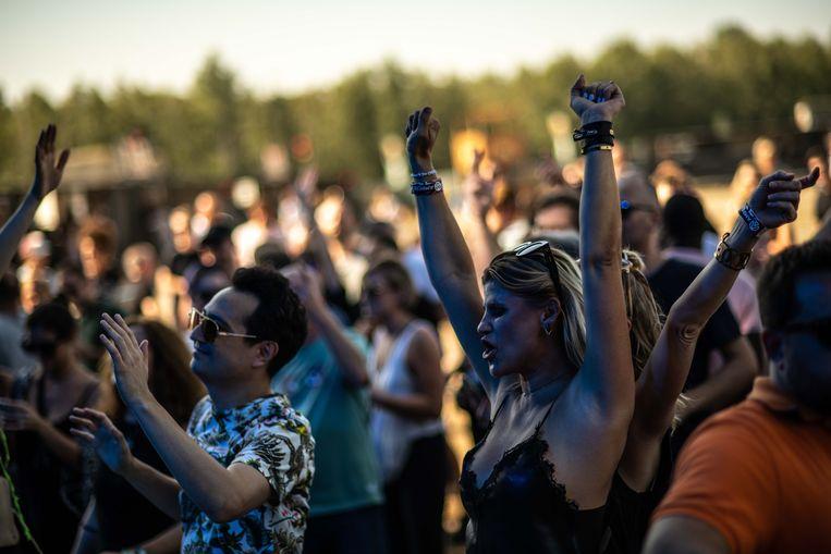 Het Ampere Open Air-festival in Antwerpen, vorig weekend. De organisatie rekende op 10.000 bezoekers. Uiteindelijk kochten 7.000 mensen een kaartje.  Beeld Fabian Battistella