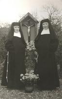 Twee van de zusters Penitenten.