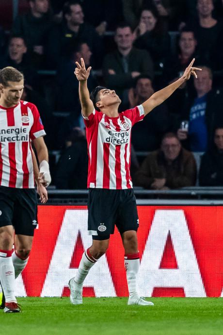 PSV kan zich heerlijk uitleven tegen FC Emmen, record voor Van Bommel