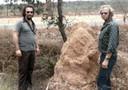 Op deze foto uit 1975 zouden de broers Clarence (l) en John (r) te zien zijn in Brazilië