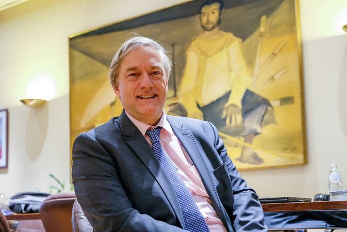 Burgemeester van Etterbeek Vincent De Wolf.