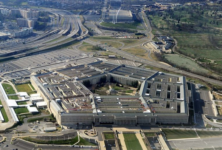 Het Pentagon is dinsdag een tijdlang in lockdown gegaan na een schietpartij aan het nabijgelegen busstation. Beeld AFP