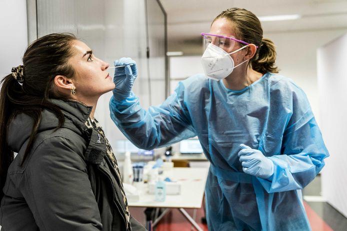 Op de Rijksuniversiteit Groningen (RUG) loopt een proef met het sneltesten van studenten.