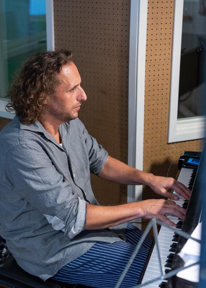 """Thijs Borsten: ,,Ik ga ook voorstellingen maken met de zangeressen Lucretia van der Vloot en Fay Lovsky."""""""